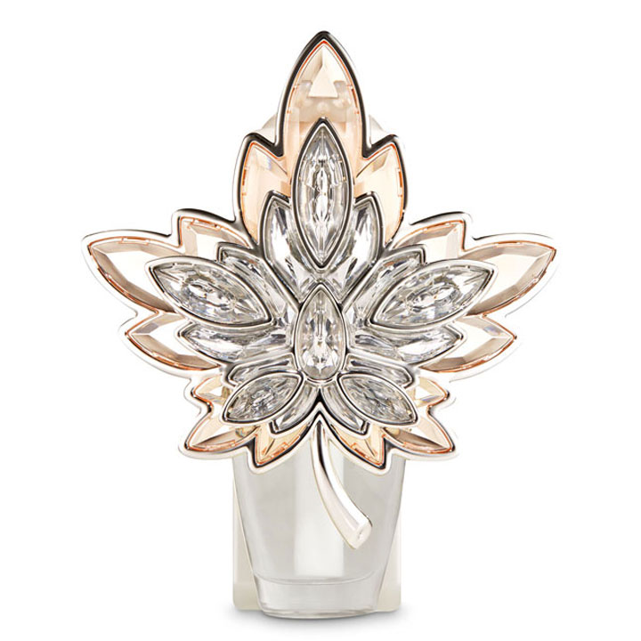 Đầu cắm tinh dầu Bath & Body Works Modern Maple Leaf Nightlight