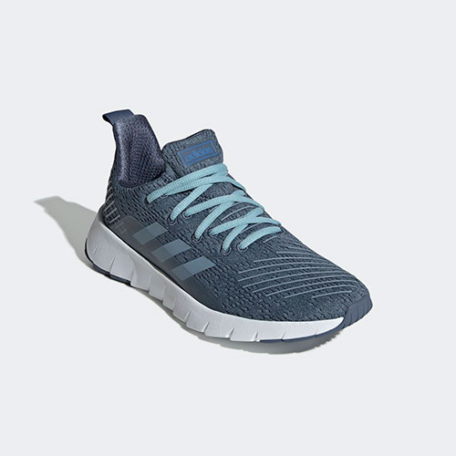 Adidas Women's Ozweego Running, Size  5 US - 3 1/2 UK - 36F